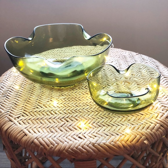 Bent Rim Green Glass Bowl Set MCM Christmas